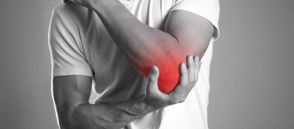 L'epicondilite o gomito del tennista: cos'è e fattori di rischio